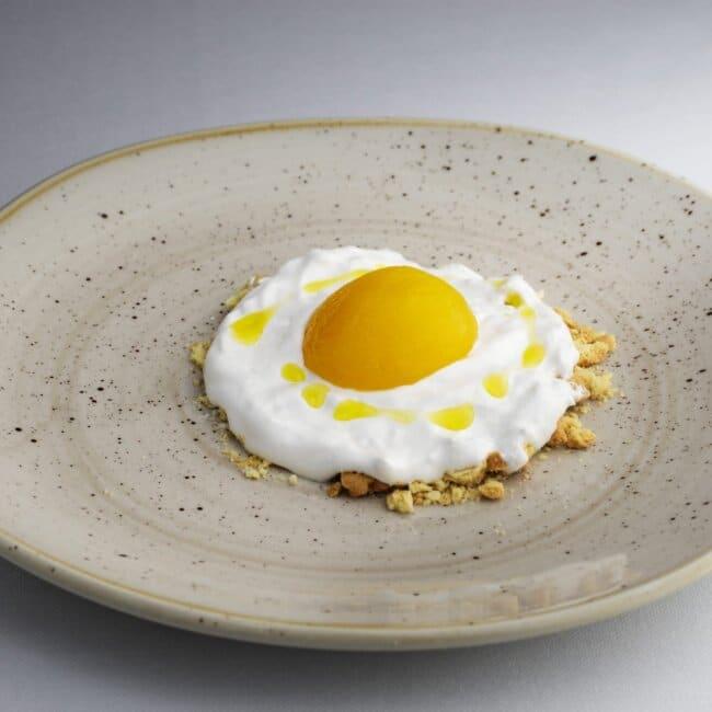 Piatto illusione d'uovo dell'Osteria Il Moro Trapani
